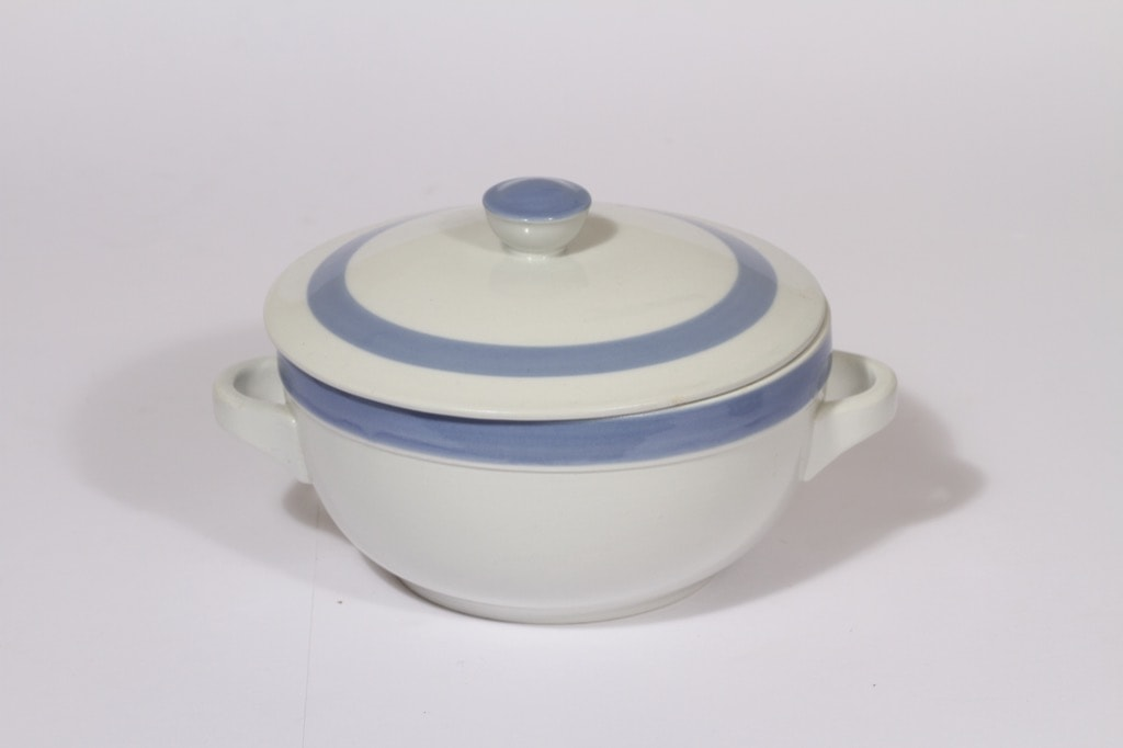 Arabia Sinivalko casserole, designer Kurt Ekholm, with lid, stripe decoration