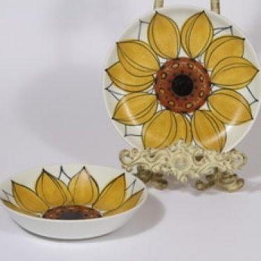 Arabia Aurinkoruusu lautaset, syvä ja matala, 2 kpl, suunnittelija Hilkka-Liisa Ahola, syvä ja matala, käsinmaalattu, signeerattu