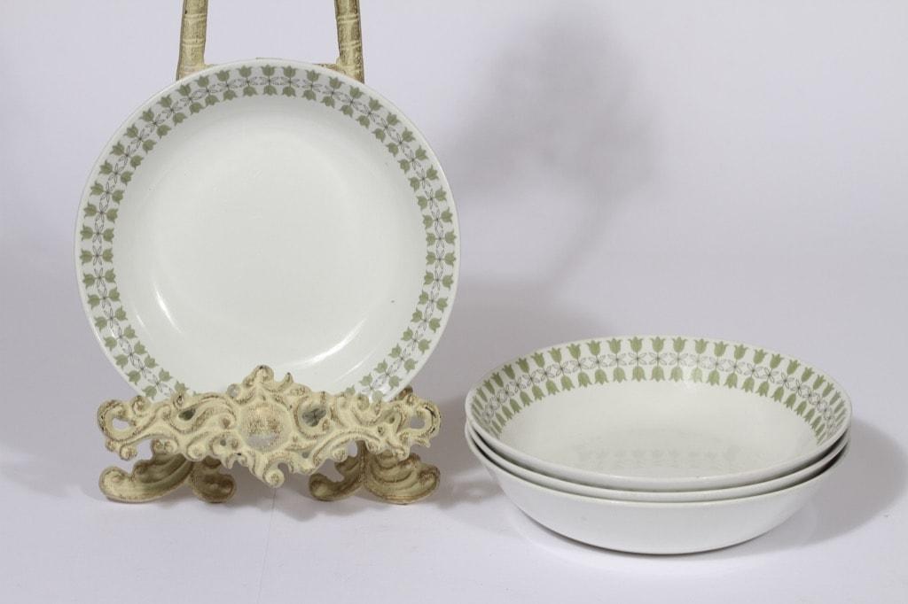 Arabia Kielo lautaset, syvä, 4 kpl, suunnittelija Raija Uosikkinen, syvä, serikuva
