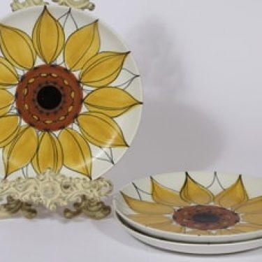 Arabia Aurinkoruusu lautaset, matala, 3 kpl, suunnittelija Hilkka-Liisa Ahola, matala, käsinmaalattu, signeerattu