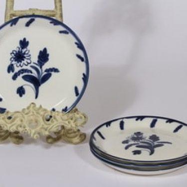 Arabia lautaset, käsinmaalattu, 4 kpl, suunnittelija Dorrit von Fieandt, käsinmaalattu, signeerattu
