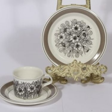 Arabia Krokus kahvikuppi ja lautanen, mustavalkoinen, suunnittelija Esteri Tomula,