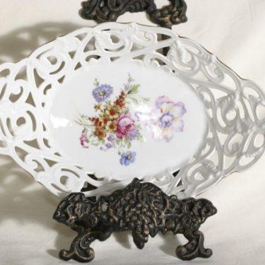 Arabia tarjoiluastia, kukkakuvio, suunnittelija , kukkakuvio