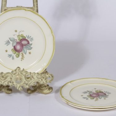 Arabia Sylvi lautaset, 3 kpl, suunnittelija Kaarina Aho, pieni, siirtokuva, hedelmäaihe
