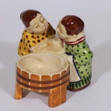 Kupittaan savi figuuri, käsinmaalattu, suunnittelija Artturi Numminen, käsinmaalattu, pyykkäriaihe