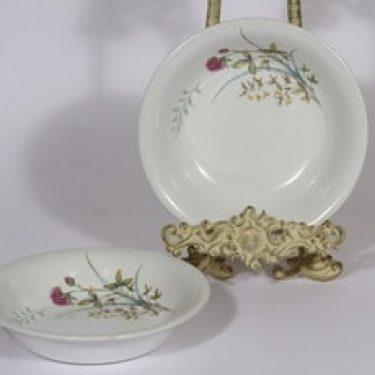 Arabia Pellervo lautaset, syvä, 2 kpl, suunnittelija , syvä, serikuva, kukka-aihe