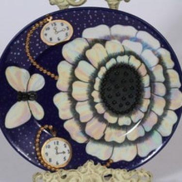 Arabia Florence koristelautanen, sininen, suunnittelija Birger Kaipiainen, serikuva, lysteri, helmikoriste