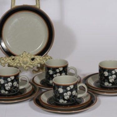 Arabia Taika kahvikupit ja lautaset, 4 kpl, suunnittelija Inkeri Seppälä, erikoiskoriste, retro