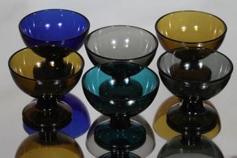 Nuutajärvi 5376 annoskulhot, eri värejä, 6 kpl, suunnittelija Saara Hopea,