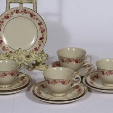 Arabia Anneli kahvikupit ja lautaset, 4 kpl, suunnittelija , siirtokuva, kukka-aihe
