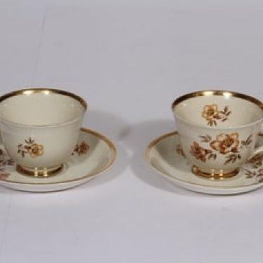 Arabia Myrna kahvikupit, 2 kpl, suunnittelija Olga Osol, serikuva, kukka-aihe