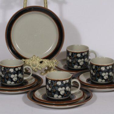 Arabia Taika kahvikupit ja lautaset, 4 kpl, suunnittelija Inkeri Seppälä,
