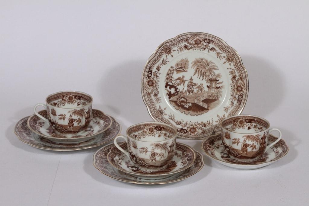 Arabia Singapore kahvikupit ja lautaset, ruskea, 3 kpl, suunnittelija , kuparipainokoriste, itämainen aihe