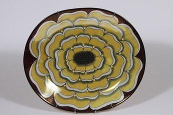 Arabia BK 42 koristevati, Florence, suunnittelija Birger Kaipiainen, Florence, helmikoriste, lysterimaalaus, signeerattu