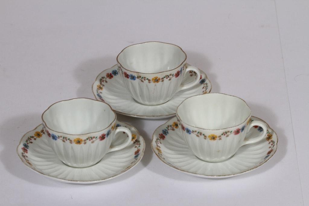 Arabia kukkakuvio kahvikupit, sininen, 3 kpl, suunnittelija , serikuva, kukka-aihe