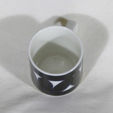 Arabia Sotka kahvikupit, käsinmaalattu, 4 kpl, suunnittelija Raija Uosikkinen, käsinmaalattu kuva 2