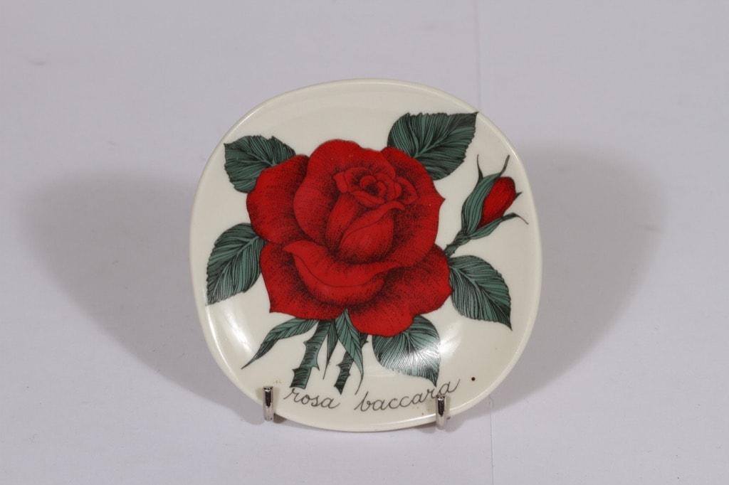 Arabia Botanica koristelaatta, Rosa baccara, suunnittelija Esteri Tomula, Rosa baccara, pieni, serikuva