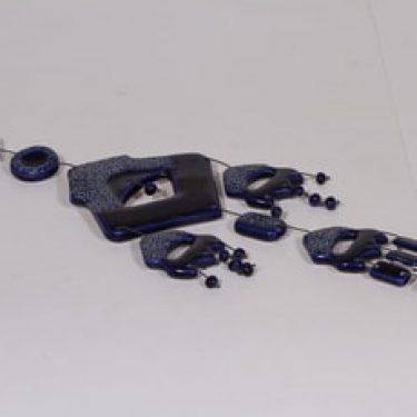 Kalevala Koru seinäkoriste, sininen lasite, suunnittelija , signeerattu
