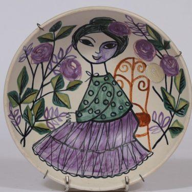 Kupittaan savi koristekulho, käsinmaalattu, suunnittelija Laila Zink, käsinmaalattu, naisaihe, signeerattu