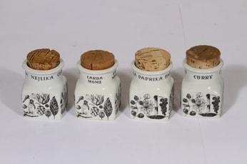 Arabia Maustekuva maustepurkit, mustavalkoinen, 4 kpl, suunnittelija Esteri Tomula, serikuva