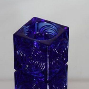 Riihimäen lasi Rengas kynttilänjalka, sininen, suunnittelija Tamara Aladin, pieni, massiivinen