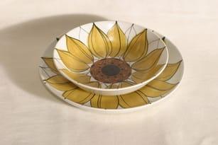 Arabia Aurinkoruusu plates, hand-painted, 2 pcs, designer Hilkka-Liisa Ahola