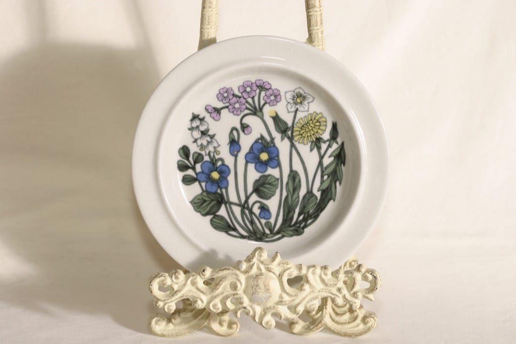 Arabia Flora lautanen, suunnittelija Esteri Tomula, pieni