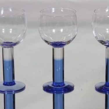 Nuutajärvi Mondo lasit, 24 cl, 3 kpl, suunnittelija Kerttu Nurminen, 24 cl, sininen jalka