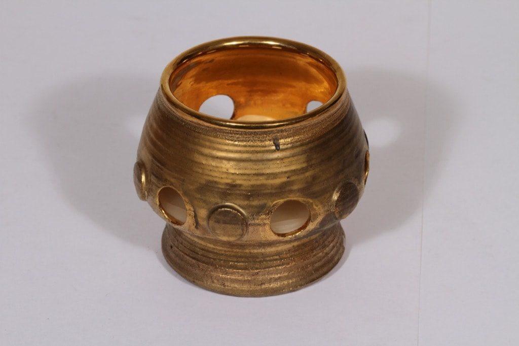 Savitorppa kynttilälyhty, suunnittelija Erkki Stenius, käsin dreijattu, signeerattu, kullattu