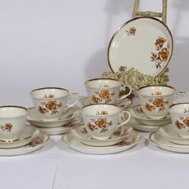 Arabia Myrna kahvikupit ja leivoslautaset, 6 kpl, suunnittelija Olga Osol, serikuva, kukka-aihe