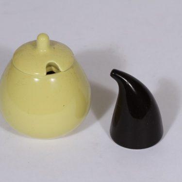 Arabia KA mausteikko, keltainen, 2 kpl, suunnittelija , musta