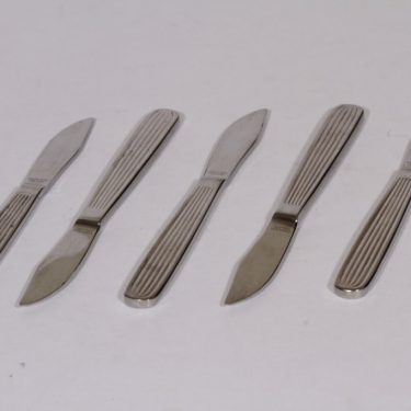 Hackman Scandia veitset, teräs, 5 kpl, suunnittelija Kaj Franck, teräs, pieni