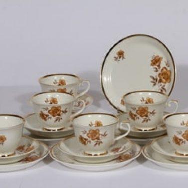Arabia Myrna kahvikupit ja leivoslautaset, 6 kpl, suunnittelija , serikuva, kukka-aihe, kullattu
