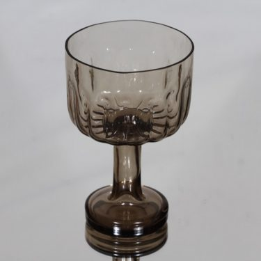 Riihimäen lasi Aurora bowl, on foot, designer Helena Tynell
