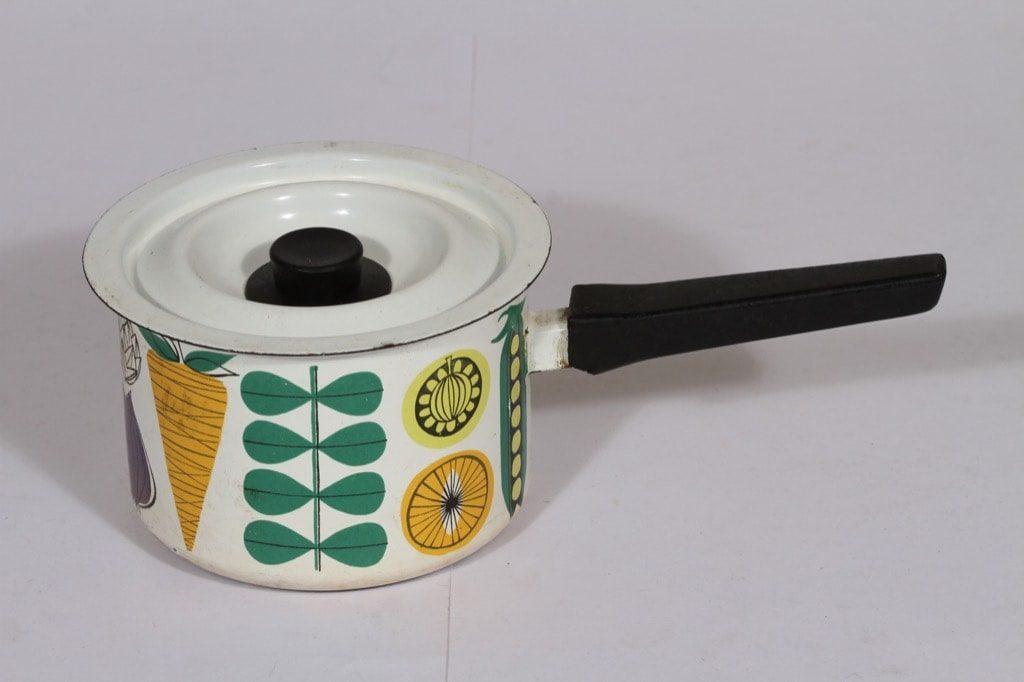 Finel Vegeta kasari, 1 l, suunnittelija Esteri Tomula, 1 l, serikuva, vihannesaihe, retro