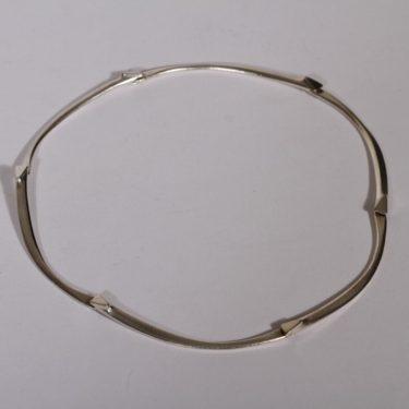 Lapponia Arcturus kaulakoru, hopea, suunnittelija Zoltan Popovits, hopea