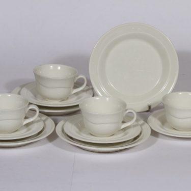 Arabia Tuuli kahvikupit ja lautaset, valkoinen, 4 kpl, suunnittelija Heljä Liukko-Sundström,