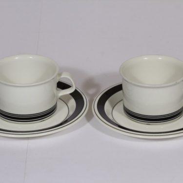 Arabia Faenza teekupit, musta, 2 kpl, suunnittelija Inkeri Seppälä, serikuva, raitakoriste
