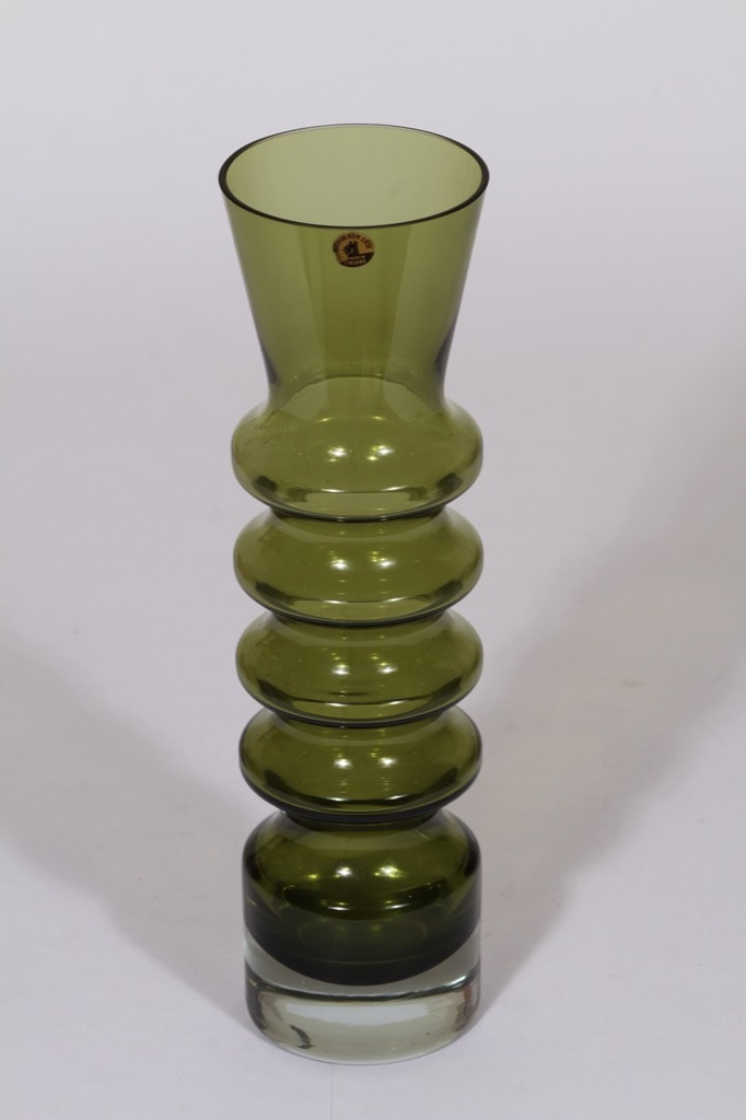 Riihimäen lasi Pagoda maljakko, oliivinvihreä, suunnittelija Nanny Still,
