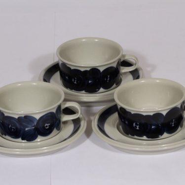 Arabia Anemone teekupit, käsinmaalattu, 3 kpl, suunnittelija Ulla Procope, käsinmaalattu, signeerattu