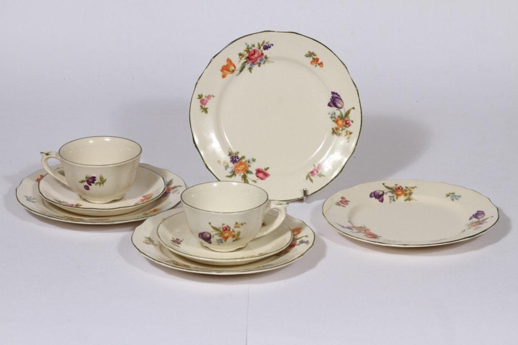 Arabia Kesäkukka kahvikupit ja lautaset, 2 kpl, suunnittelija , siirtokuva