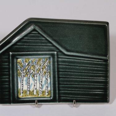 Arabia koristelaatta, Runon mailla, suunnittelija Kerttu Nurminen, Runon mailla, serikuva, signeerattu