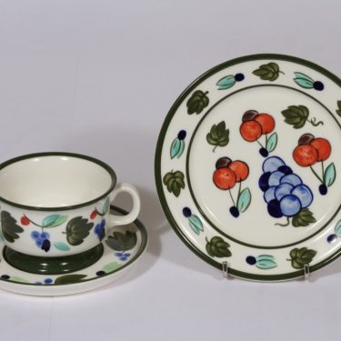 Arabia Palermo teekuppi ja lautanen, käsinmaalattu, suunnittelija , käsinmaalattu, signeerattu