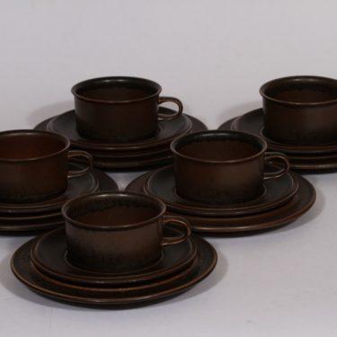 Arabia Ruska teekupit ja leipälautaset, ruskea lasite, 5 kpl, suunnittelija Ulla Procope,
