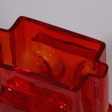 Riihimäen lasi Emma maljakko, punainen, suunnittelija Helena Tynell,  kuva 3