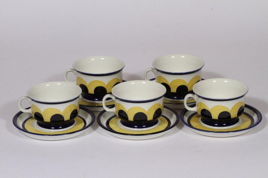 Arabia Paju teekupit, sininen-keltainen, 5 kpl, suunnittelija Anja Jaatinen-Winquist, käsinmaalattu, retro