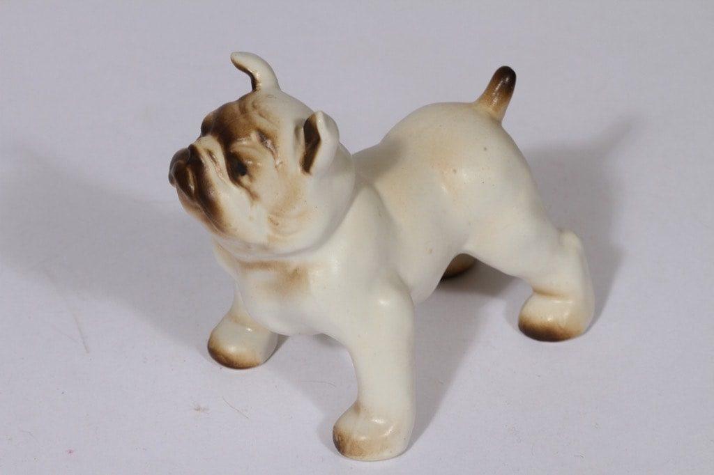 Arabia eläinfiguuri, Buldoggi K 50, suunnittelija Lea von Mickwitz, Buldoggi K 50, käsinmaalattu