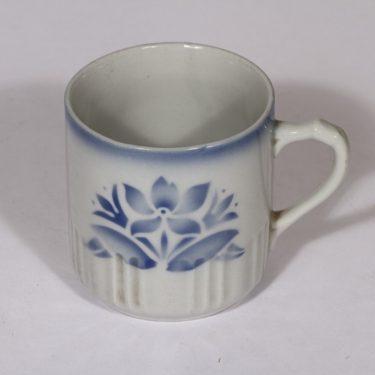 Arabia kukkakuvio muki, sininen, suunnittelija , puhalluskoriste