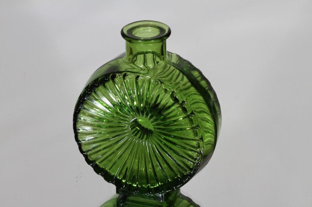 Riihimäen lasi Aurinkopullo koristepullo, vihreä, suunnittelija Helena Tynell, pieni