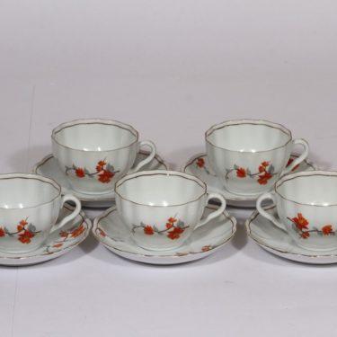 Arabia kahvikupit, punainen, 5 kpl, suunnittelija , siirtokuva, kukka-aihe